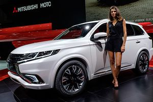 Mitsubishi giới thiệu Outlander PHEV bản nâng cấp 2019