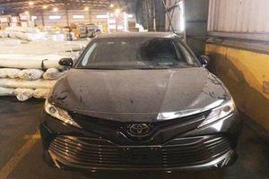 Toyota Camry 2018 về nước, giá bán gần 2,5 tỷ đồng