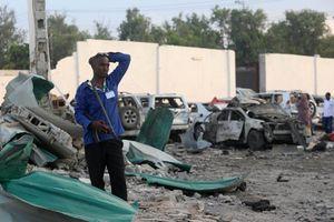 Somalia: Đánh bom kép gần phủ Tổng thống, 81 người thương vong