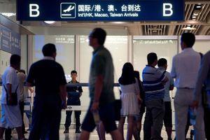 Sợ bị tước hộ chiếu, người gốc Hoa ngại trở về Trung Quốc
