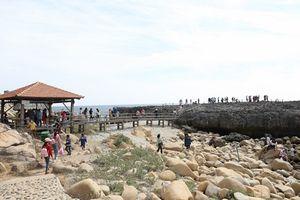 Ninh Thuận đón hơn 29.000 lượt khách du lịch dịp Tết Nguyên đán Mậu Tuất 2018