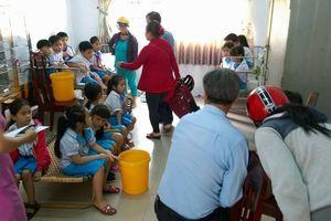 Hàng chục trẻ nhập viện sau khi uống sữa