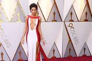 Loạt sao nữ chuộng mốt cắt xẻ táo bạo trên thảm đỏ Oscar