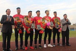 Cầu thủ U.23 Việt Nam làm sôi động sân vận động Tự Do (TP. Huế)