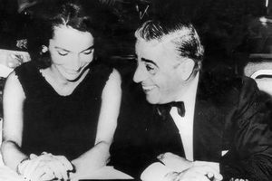 Hé lộ mối tình rắc rối của chị em nhà Jackie Kennedy với tỷ phú Onassis