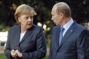 Được Thủ tướng Merkel tặng bia, Tổng thống Putin đáp lễ bằng đặc sản Nga