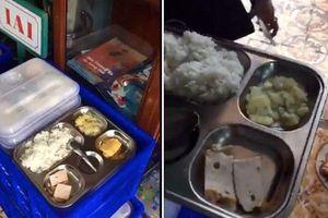 Phụ huynh phản ứng dữ dội vì bữa ăn bán trú 13.000 đồng quá đạm bạc