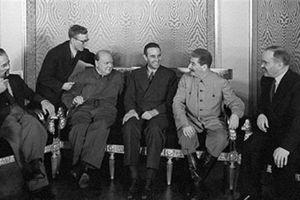 Sự thật Anh, Mỹ viện trợ cho Liên Xô