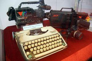 Mục kích những hiện vật quý của báo chí Việt Nam