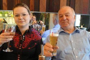 Nga đáp trả mạnh hơn đòn trừng phạt của Anh