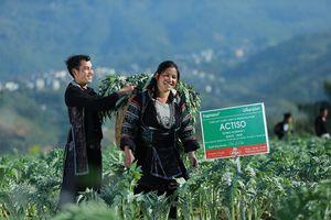 'Học lỏm' bài kế toán của người H' Mông