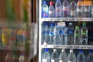 WHO: Cần kiểm định thêm về nước đóng chai bị nhiễm sợi nhựa siêu nhỏ