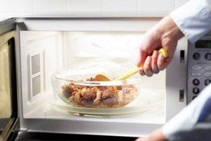 Những thực phẩm bạn thường làm nóng bằng lò vi sóng nhưng hóa ra lại cấm kị