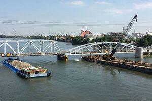 Giảm mức thu giá tàu, thuyền chui qua cầu Bình Lợi mới