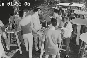 Khởi tố kẻ hành hung phóng viên tại quán bar