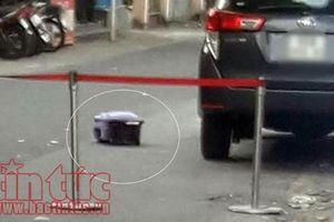 Phát hiện vali chứa thi thể thai nhi giấu dưới gầm ô tô