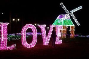 Choáng ngợp với lễ hội ánh sáng được đầu tư 10 tỷ đồng tại thành Vinh