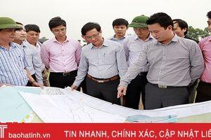 Chủ tịch UBND tỉnh Đặng Quốc Khánh kiểm tra đầu tư, sản xuất tại Can Lộc, Đức Thọ