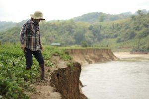 Đắk Nông: Thủy điện xả nước thất thường cùng cát tặc tận phá dòng sông
