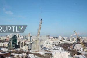 Cận cảnh tháo dỡ tháp truyền hình cao 220m bằng thuốc nổ