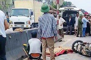 Nghệ An: Xe khách va chạm xe máy, 2 người chết, 1 người nhập viện nguy kịch