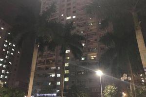 Lửa bùng cháy ở chung cư Mỹ Đình, dân Thủ đô tháo chạy trong đêm