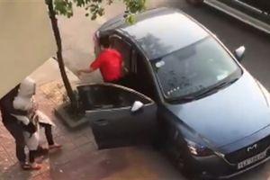 Chồng thuê ôtô chở bồ: Quan hệ xong gửi ảnh trêu vợ
