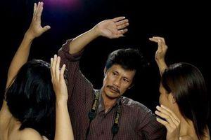 Thái Phiên: Đừng dùng kính lúp để kiểm duyệt sách ảnh nude nghệ thuật