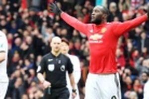 Man United thắng nhàn Swansea 2-0