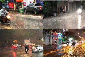 TP HCM mưa 'trắng trời' ngay giữa cao điểm mùa khô
