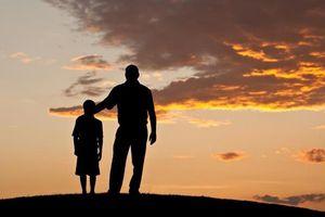 Tâm sự nghẹn lòng của người con mẹ mất sớm, có cha làm nghề bốc mộ