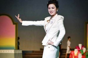 Thế giới thời trang bí ẩn tại Triều Tiên: Cấm mặc quần jeans xanh