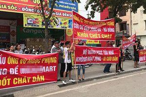 Hàng loạt chung cư Hà Nội 'nổi sóng' căng băng rôn sau vụ cháy Carina