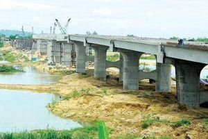 Quảng Ngãi: Giải quyết bồi thường, GPMB dự án và KDC cầu Thạch Bích
