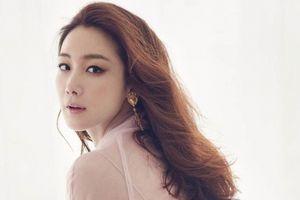 Choi Ji Woo: Siêu sao Hallyu giàu sụ, bình dị sống, lặng lẽ lấy chồng