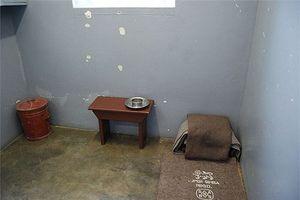 Bên trong nhà tù từng giam huyền thoại Nelson Mandela
