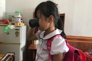 Cô giáo phạt học sinh 'súc miệng' bằng nước giặt giẻ lau bảng là con Phó trưởng Phòng Giáo dục huyện