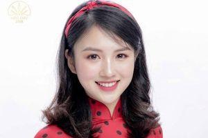 18 nữ sinh xinh đẹp HV Ngoại giao khoe dáng trong tà áo dài