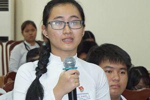 Học sinh tố cáo cô giáo im lặng 3 tháng muốn chuyển trường, vì sao Sở Giáo dục muốn giữ lại?
