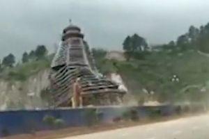 Tháp 23 tầng ở Trung Quốc sụp đổ vì… gió