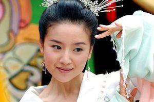 Sau scandal ngoại tình, 'Chúc Anh Đài' Đổng Khiết giờ ra sao?