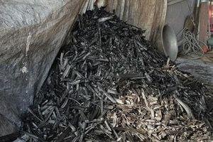 Cận cảnh quy trình sản xuất bột than tre để làm thuốc... chữa ung thư