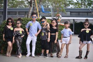 Mẫu nhí Việt mặc sexy, trang điểm đậm và nỗi lo lớn trước tuổi