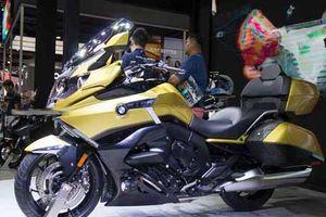 Xe môtô BMW K1600 giá 1,25 tỷ đồng 'đấu' Honda GoldWing