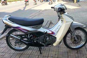 Xe máy Suzuki RGV dùng 17 năm bán 200 triệu tại Sài Gòn