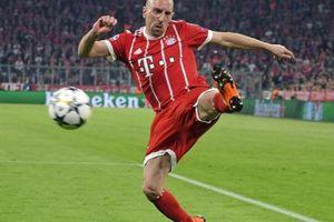 Bayern trói chân 'gã mặt sẹo', còn chờ Robben