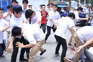 Nam sinh cấp 3 bị nhóm thanh niên chặn đường, đánh hội đồng đến tử vong