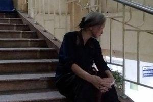Mẹ chết lặng khi biết tin con là nạn nhân vụ tai nạn ở Ô Chợ Dừa