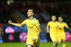 SXKT Cần Thơ - SLNA: Binh đoàn xứ Nghệ có 1 điểm trong trận cầu 6 bàn thắng