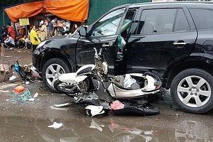 Vụ ô tô mất lái gây tai nạn liên hoàn trên phố Hà Nội: Một người tử vong
